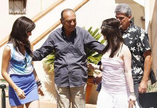 Jacques_chirac_a_saint_tropez_avec_des_fans_article_big
