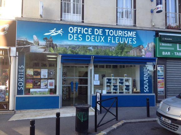 Nouvelle enseigne pour l'office du tourisme