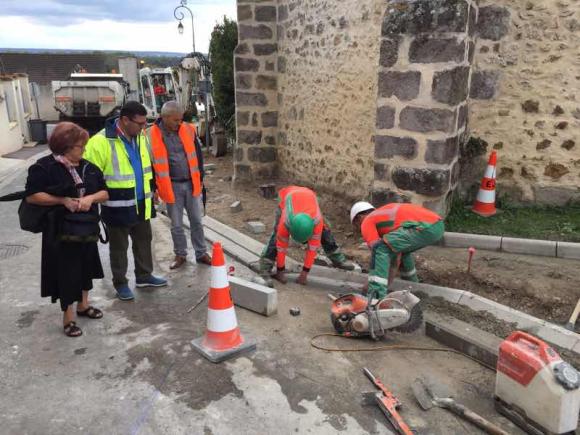 Courcelles en Bassée : la CC2F réalise des trottoirs