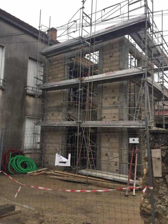 Esmans : réaménagement autour de la mairie rénovée