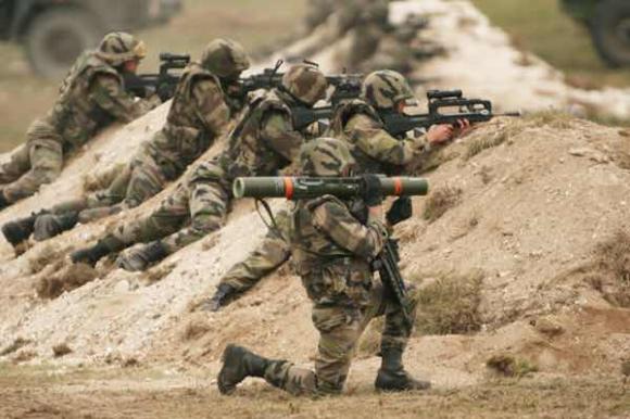 Contre le retour du service militaire obligatoire
