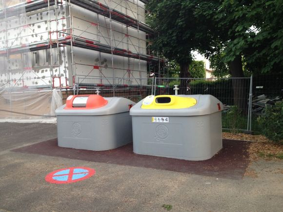 Des bacs enterrés pour les ordures ménagères