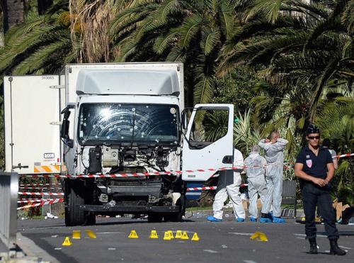 Attentat-de-Nice-Qui-est-Mohamed-Lahouaiej-Bouhlel-le-terroriste-presume_portrait_w674