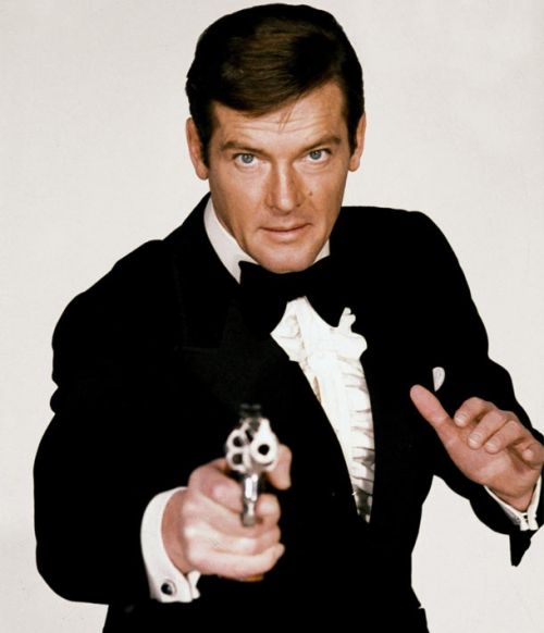 Bond_-_Roger_Moore_-_Profile