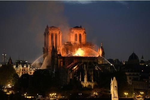 Notre-Dame-de-Paris-son-sauvetage-n-est-pas-acquis-indique-Nunez